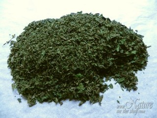 Crushed nettle leaves