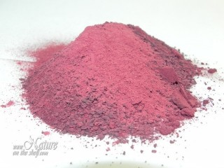 Ground red beet powder before sifting