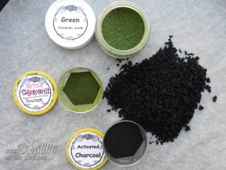 Nettle chlorophyll powder and curdles compared to green pigment and activated charcoal